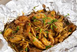 Lo Mein de Camarón y Pollo Media Porción