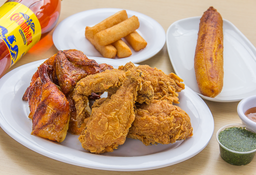 ⭐Combo FDS(1/2 Pollo Asado + 1/2 Pollo Apanado +Acompañamientos)