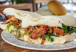 Sandwiche de Chorizo Santarosano