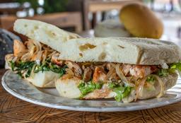 Sándwich de Pollo y Camarón