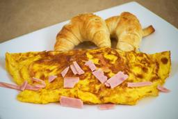 Omelette con Jamón y Queso + Jugo de Naranja