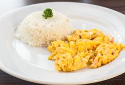Huevos al Gusto con Pan o Arroz