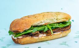 Sandwich Mediterráneo de Berenjena