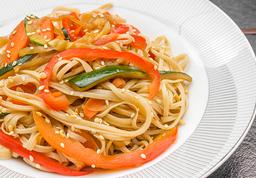 Spaghetti al Wok con Vegetales