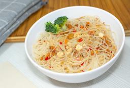 Combo Noodles (Fideos Japoneses) + Ceviche o Carne + Limonada