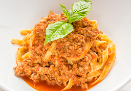 Fetuccinni Bolognese