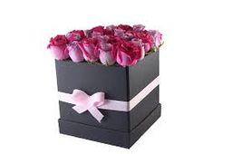 Doll - Caja de rosas rosadas