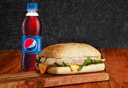 Sándwich Pollo y Queso + Néctar Oma o Bebida Postobón