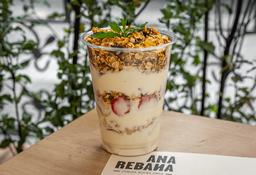 Parfait Griego de Fresa Y Banano