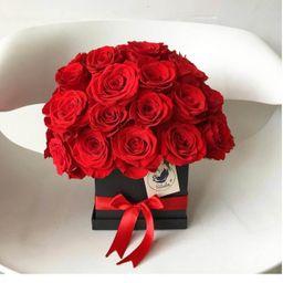 Caja negra 40 rosas rojas