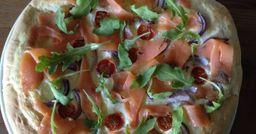 Pizza Carpaccio de Trucha