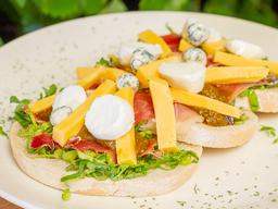 Sandwich Serrano y Tres Quesos