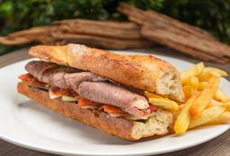 Sándwich Roast Beef y Tomate Confitado