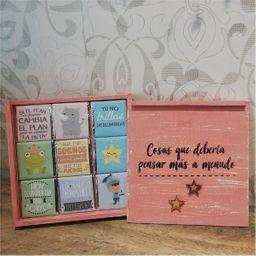 Caja de madera vintage con chocolates artesanales y mensajes