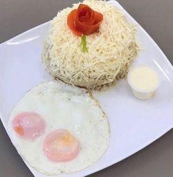 Cayeye + Queso y Suero con Huevos Fritos