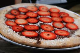 Pizza de Chocolate con Fresas
