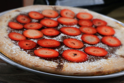 Pizza De Chocolate Con Fresas