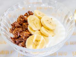 BB flakes Bowl + Banano + Yogurt Griego