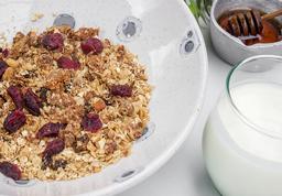 Granola de ka Casa con Yogurt natural sin dulce