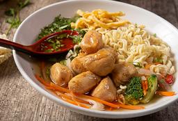 Sopa Asiática con Fideos