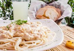 Spaghetti con Pollo y Champiñones