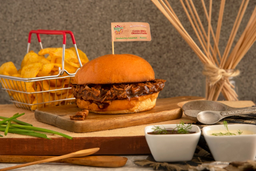 Super Combo🥪 sándwich de Cerdo + Papas + Bebida