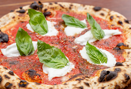 Pizza de burrata y Pomodoro