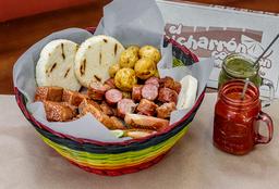 Chicharrón y Chorizo
