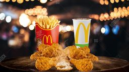 McCombo™ Pollo Completo con Acompañamientos