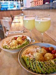 2x1 Poke de Ceviche +2 Bebidas