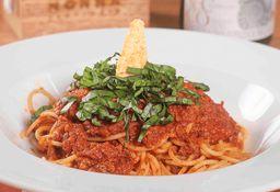 Spaghetti blanco  con salsa  Bolognesa