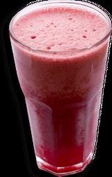 Jugo de fruta en leche