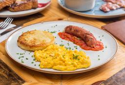 Arepa con chorizo, huevos y hogao