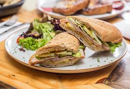 Sándwich Pastrón