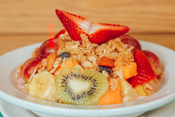Ensalada de Frutas dietética granola