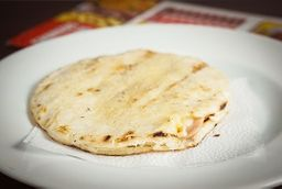 Arepa Doble Queso y Doble Jamón