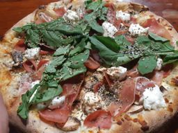 Pizza de Salmón Bufalina Mediana