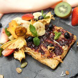 Waffle de Frutas y Mantequilla de Maní