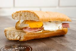 Sandwich de Huevo y Doble queso