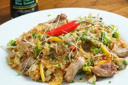 Arroz Thai Camarón y Pollo Mediano