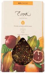Barra 82% cacao con nibs de cacao, naranja y granada