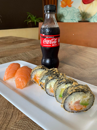 Combo Tiger Roll y Nigiris