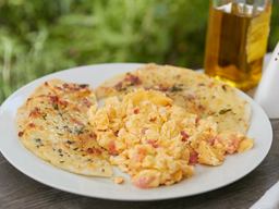 Huevos al Gusto + Cafe Americano