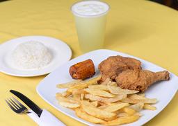 2 presas de pollo apanada + Limonada