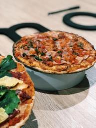 Pizza Jamón Serrano Entomatado