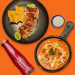 Tacos de Pescado con Pozole y Bebida