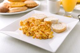 Huevos Jamón y Queso