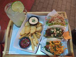 Combo Bao trio con Bao fries y Limonada natural