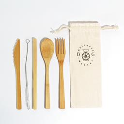 Kit de Cubiertos en Bambu organico con funda de tela