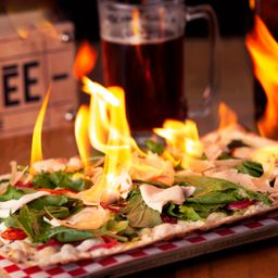 Pizza  Flambée Miss Piggy Jameson